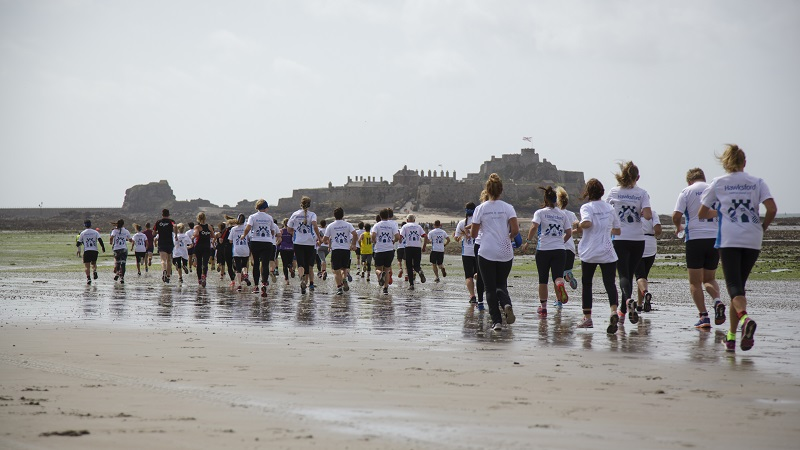 Runners taking part in the Castle Chase 2017